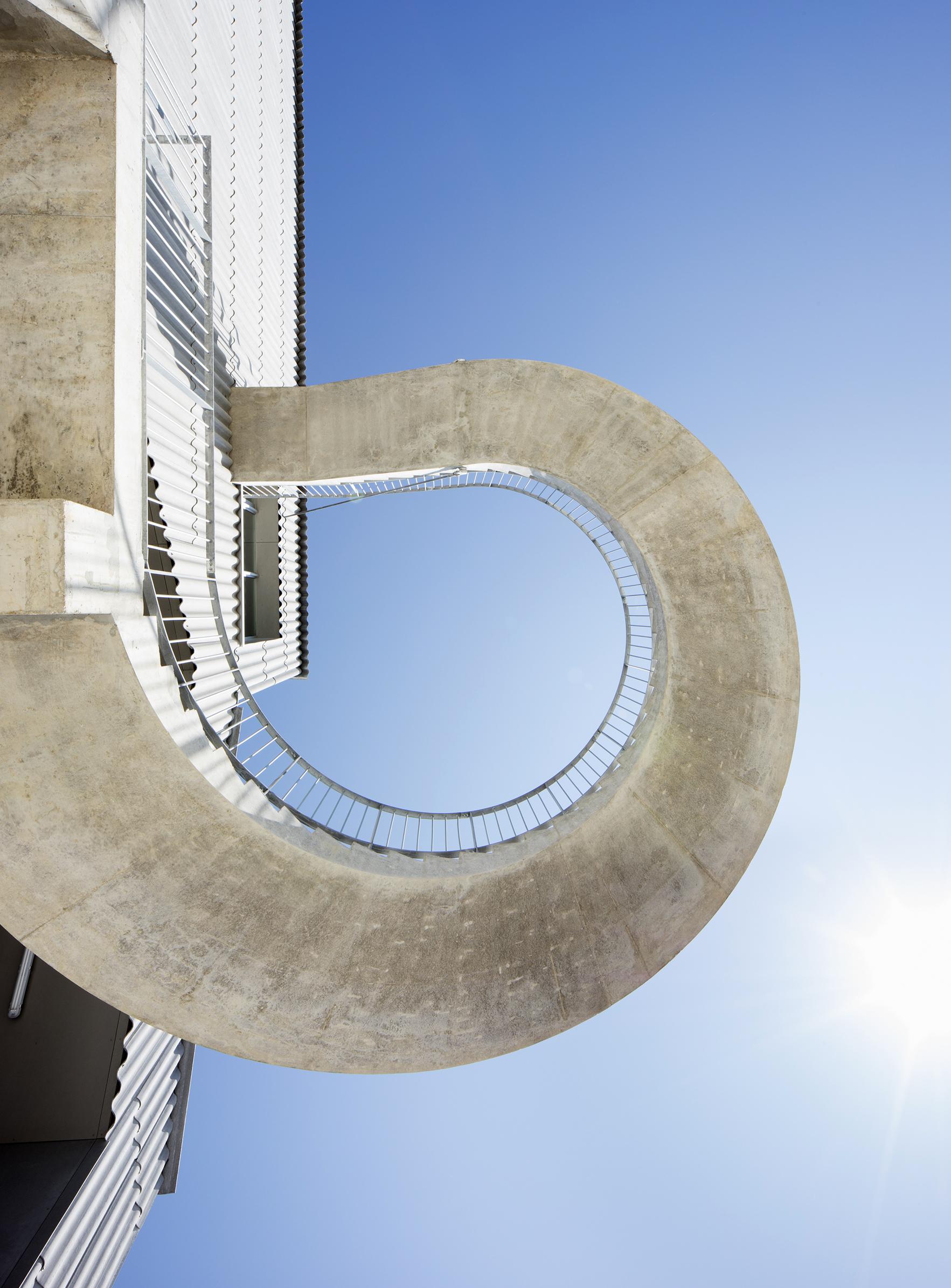 Le CNAC 02 - Friches + Culturel - Caractère Spécial Matthieu Poitevin Architecture