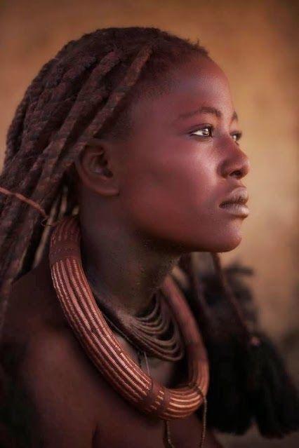 femme africaine  - Caractère Spécial Architecture