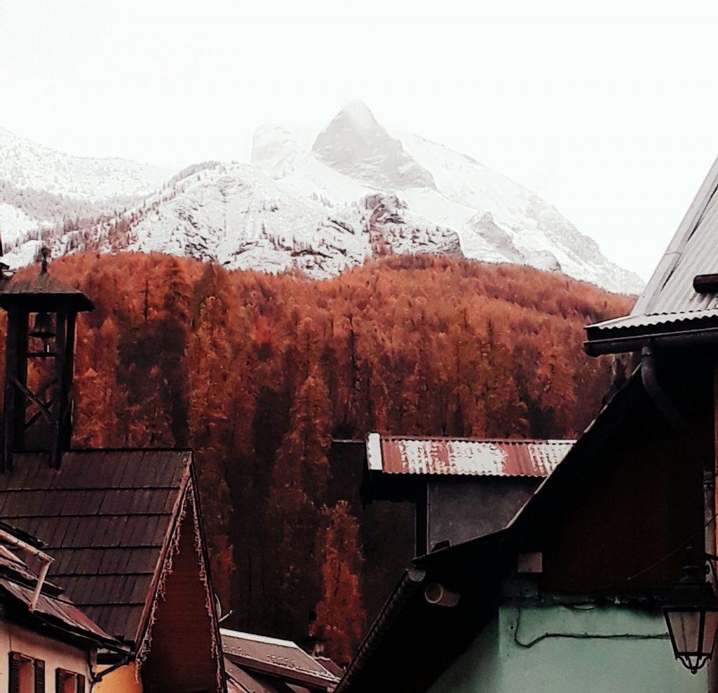Montagnes enneigées - Caractère Spécial Architecture