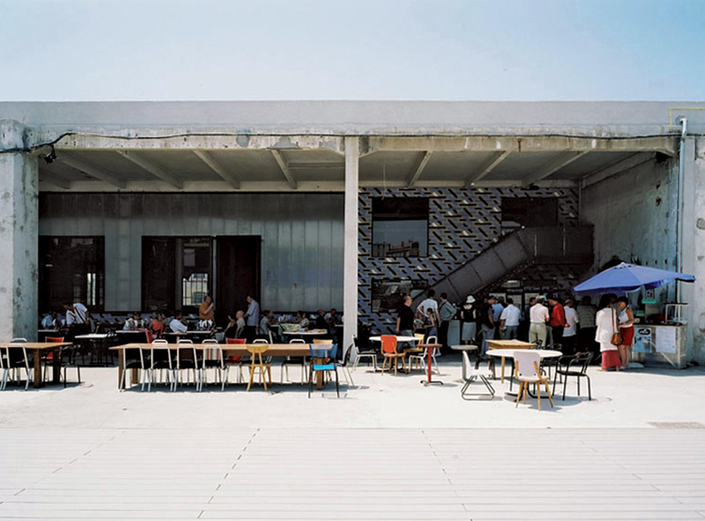 Grandes Tables - 01 - Équipements Bureau - Caractère Spécial - Matthieu Poitevin Architecture