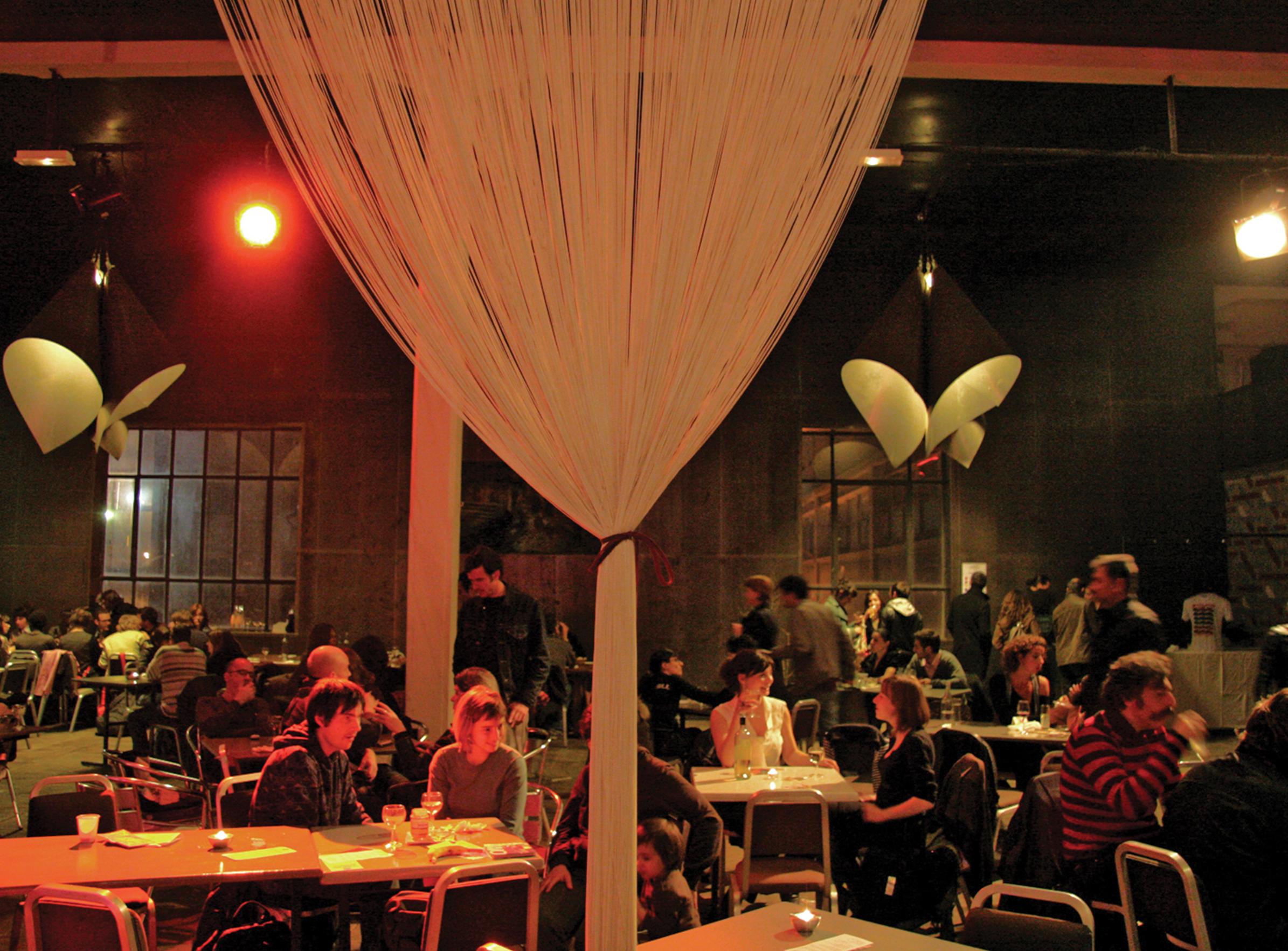 Grandes Tables - 02 - Équipements Bureau - Caractère Spécial - Matthieu Poitevin Architecture