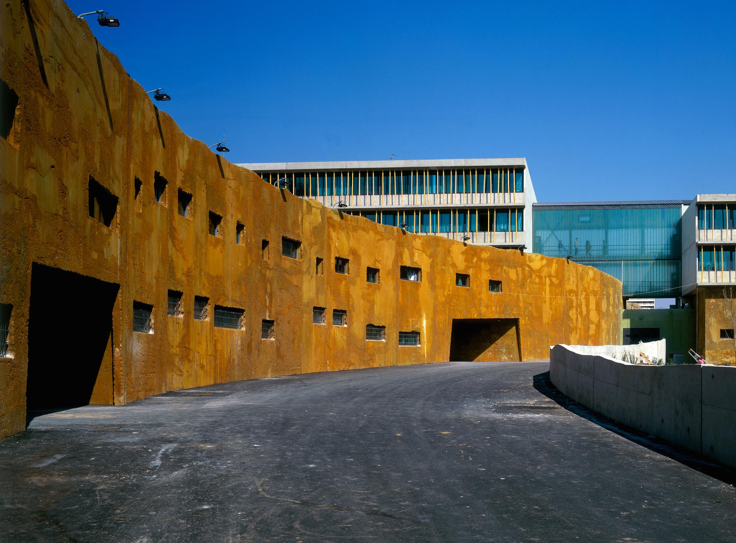 Collège Renoir Rostand 05 - Équipements Bureau - Caractère Spécial - Matthieu Poitevin Architecture