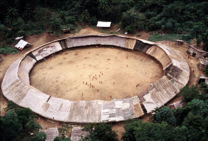 Shabono Yanomami - Caractère Spécial Architecture