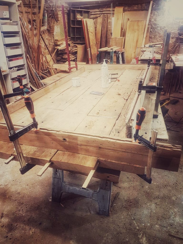 wood-work_univers_caractere-special
